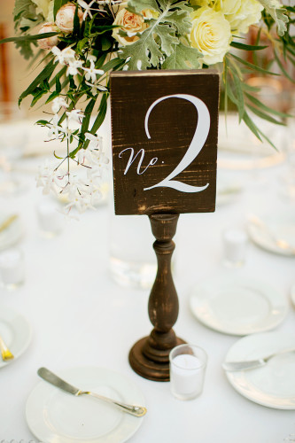 Wooden table numbers DIY for wedding