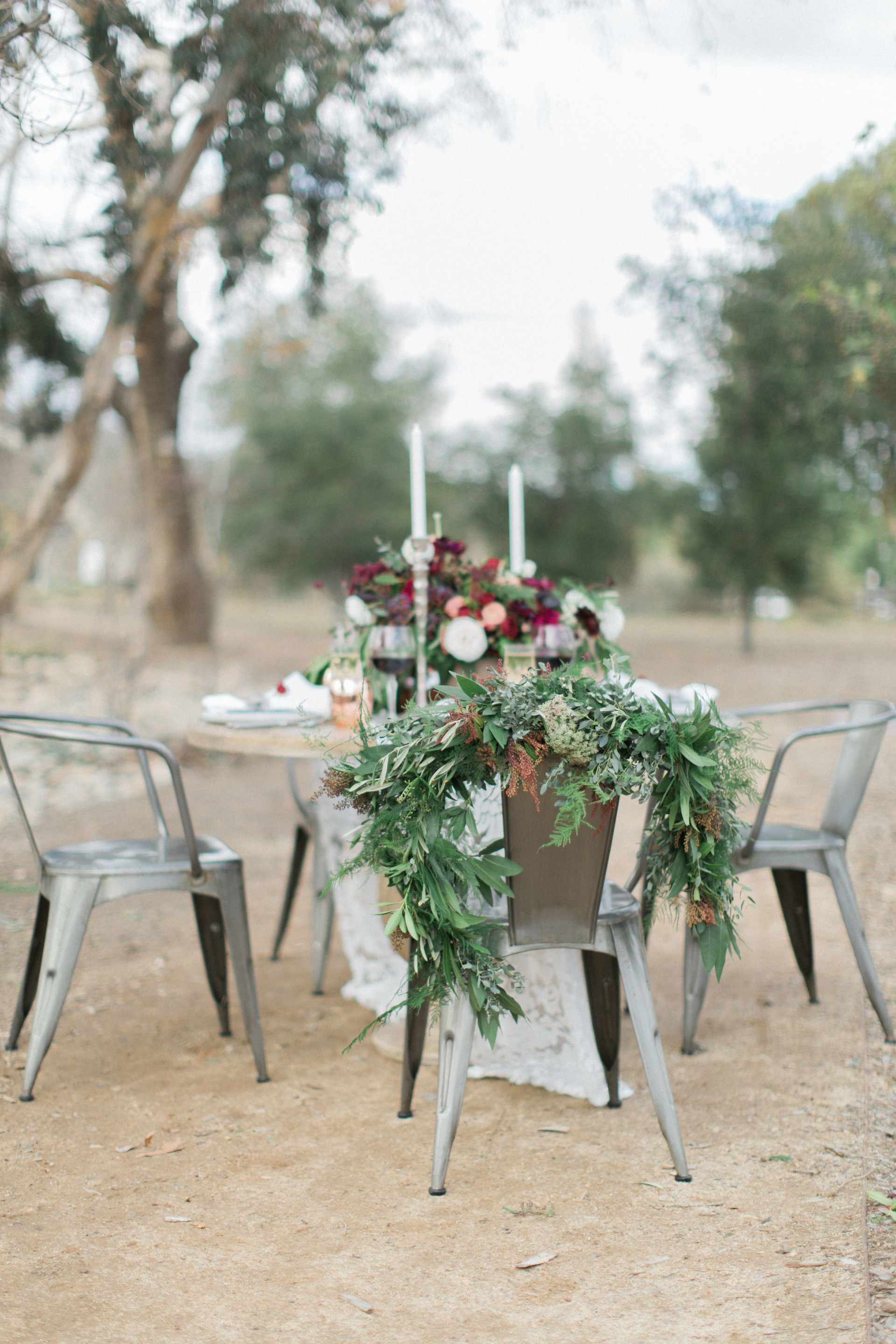 Burgundy and merlot wedding table