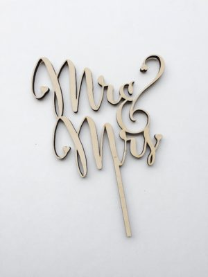 Lucky Rentals // Wooden Cake Topper // Southern California Wedding Detail Rentals // Lucky Day Events Co.
