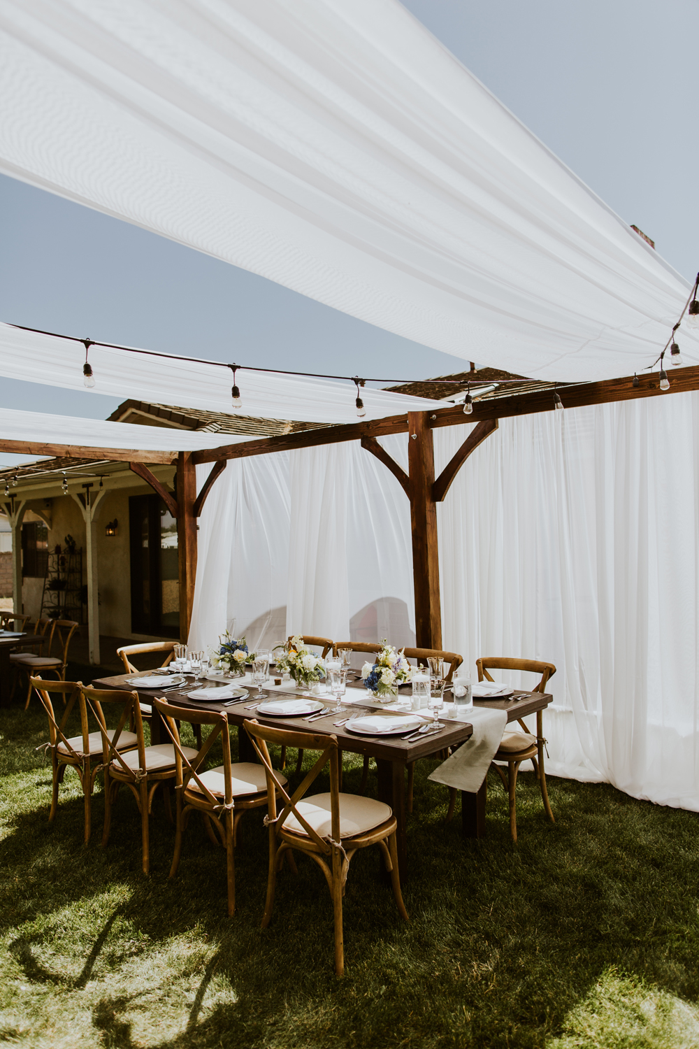 Lucky Day Events Co. // Private Home Backyard Wedding // Elizabeth Lauren Photography // Rustic Outdoor Wedding