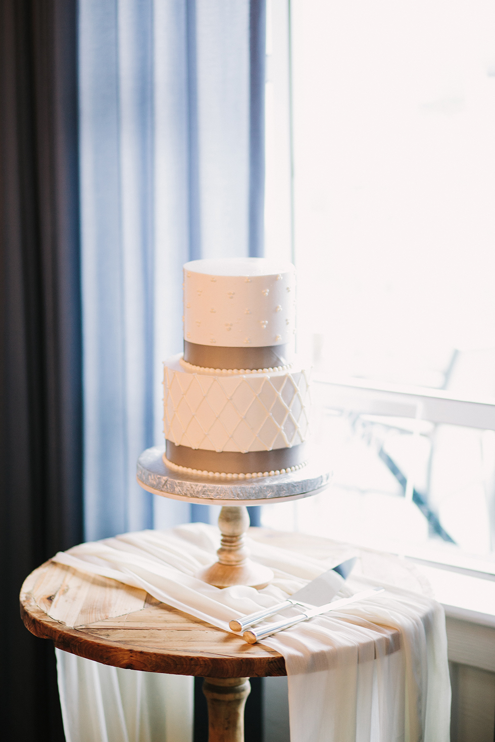 San Diego Beachside Wedding // Romantic Beach Wedding // Vintage // Lucky Day Events Co. // SD Wedding // Loews // Aaron Young Photography