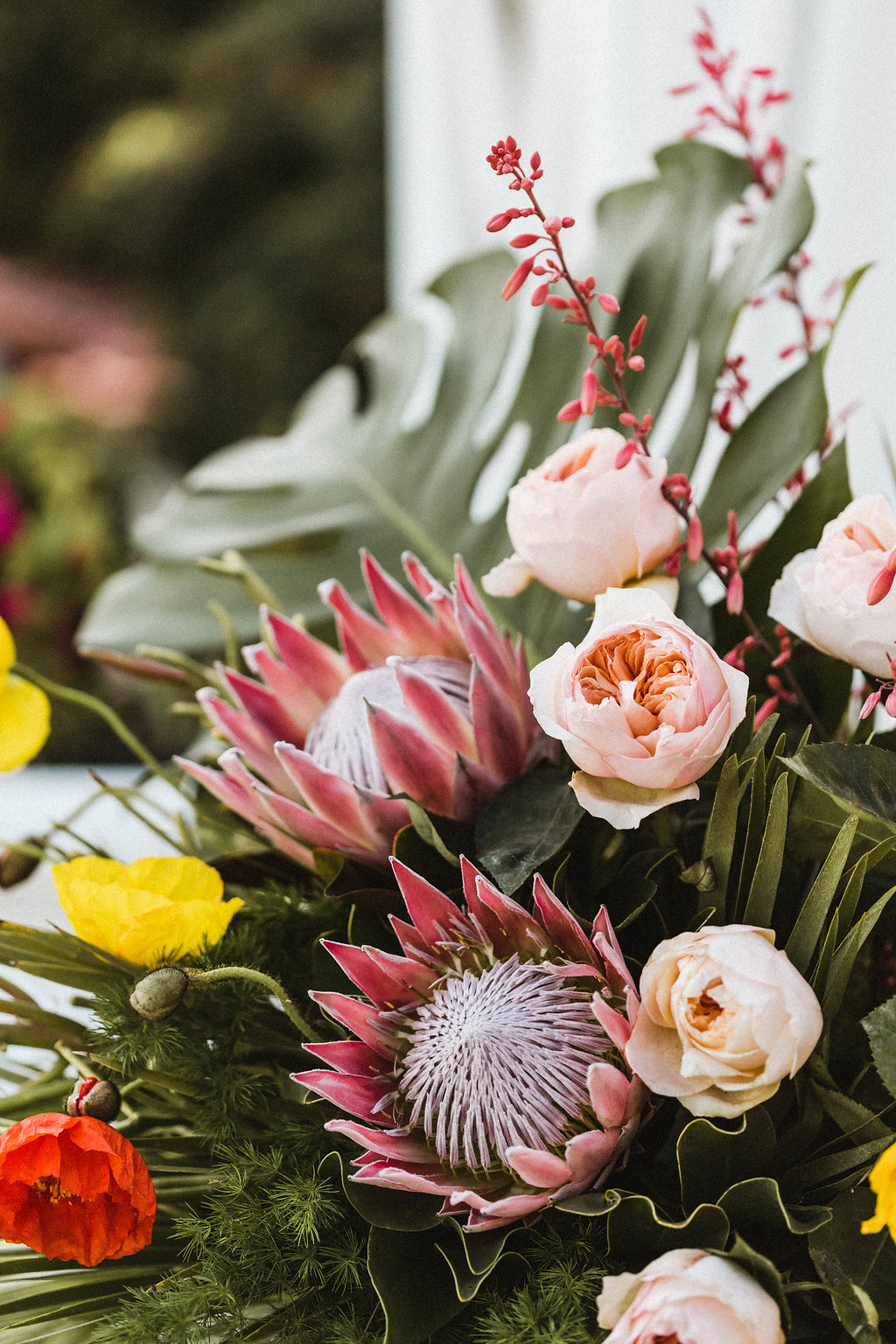 Wild, colorful desert flowers for a Palm Springs wedding / Avalon Palm Springs Wedding Bright Flowers