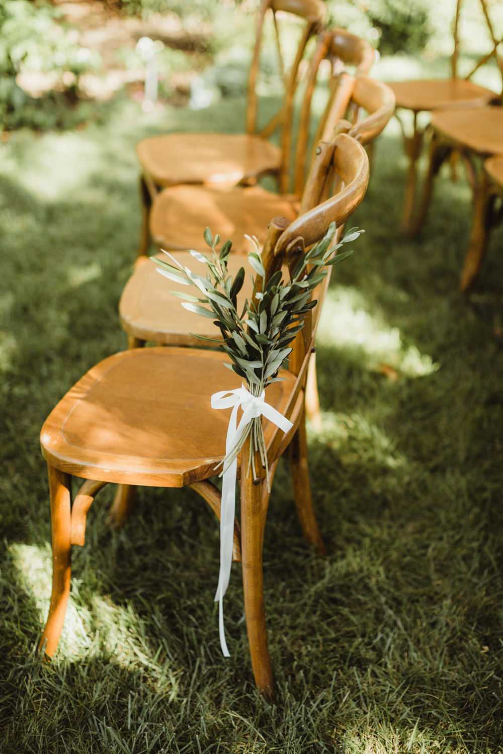 wooden bistro chairs for wedding
