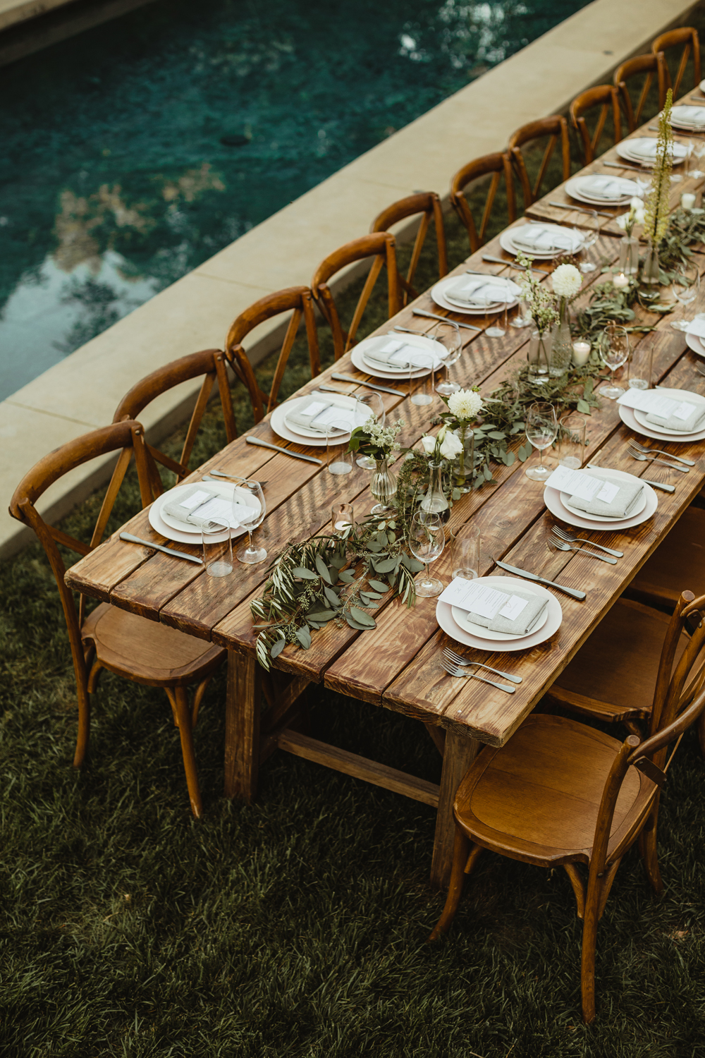 farm table wedding decor