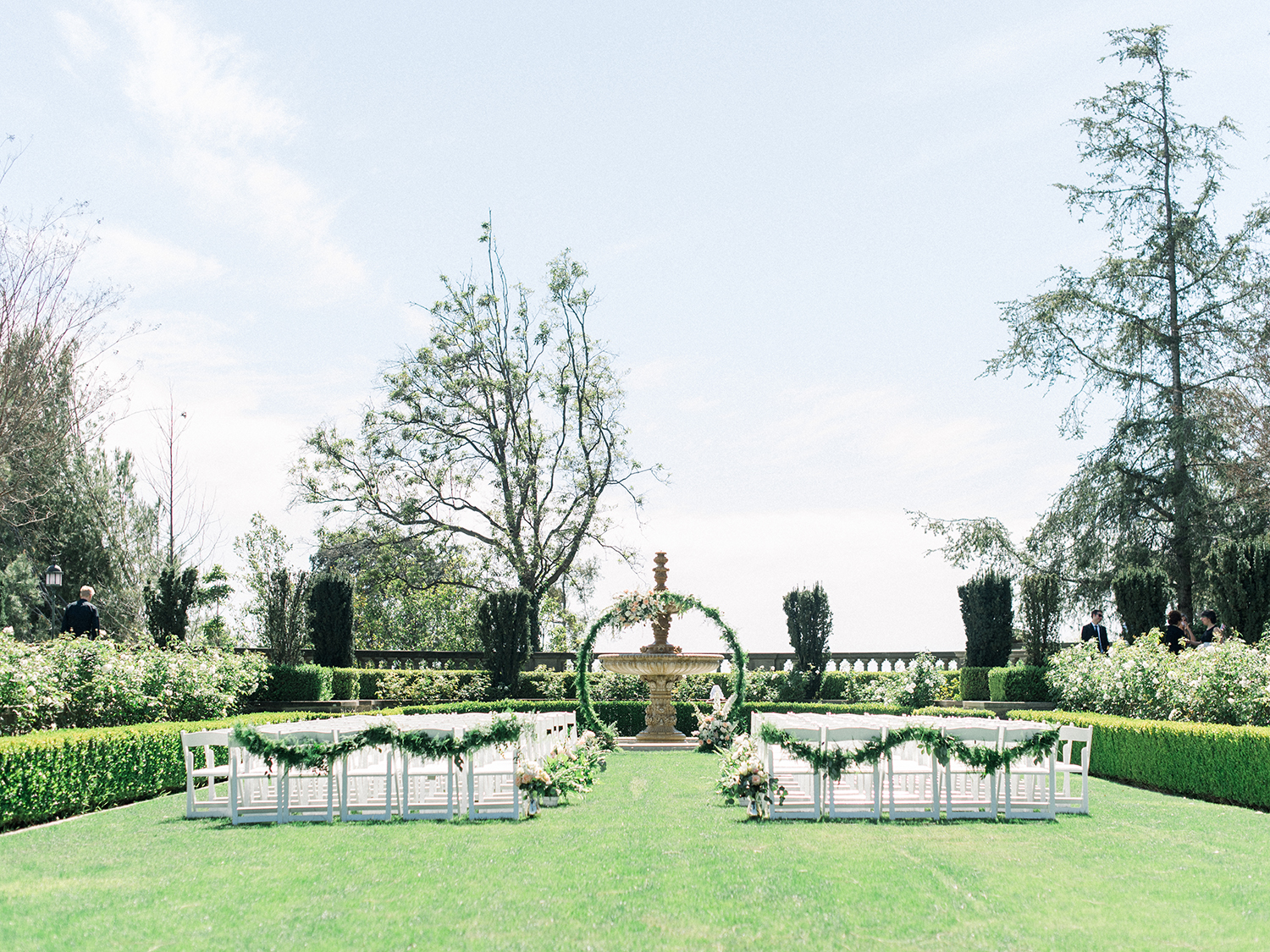 Romantic and Classic Greystone Mansion Wedding by Lucky Day Events Co. x Jordan Galindo Photography / Ceremony Arch with circle