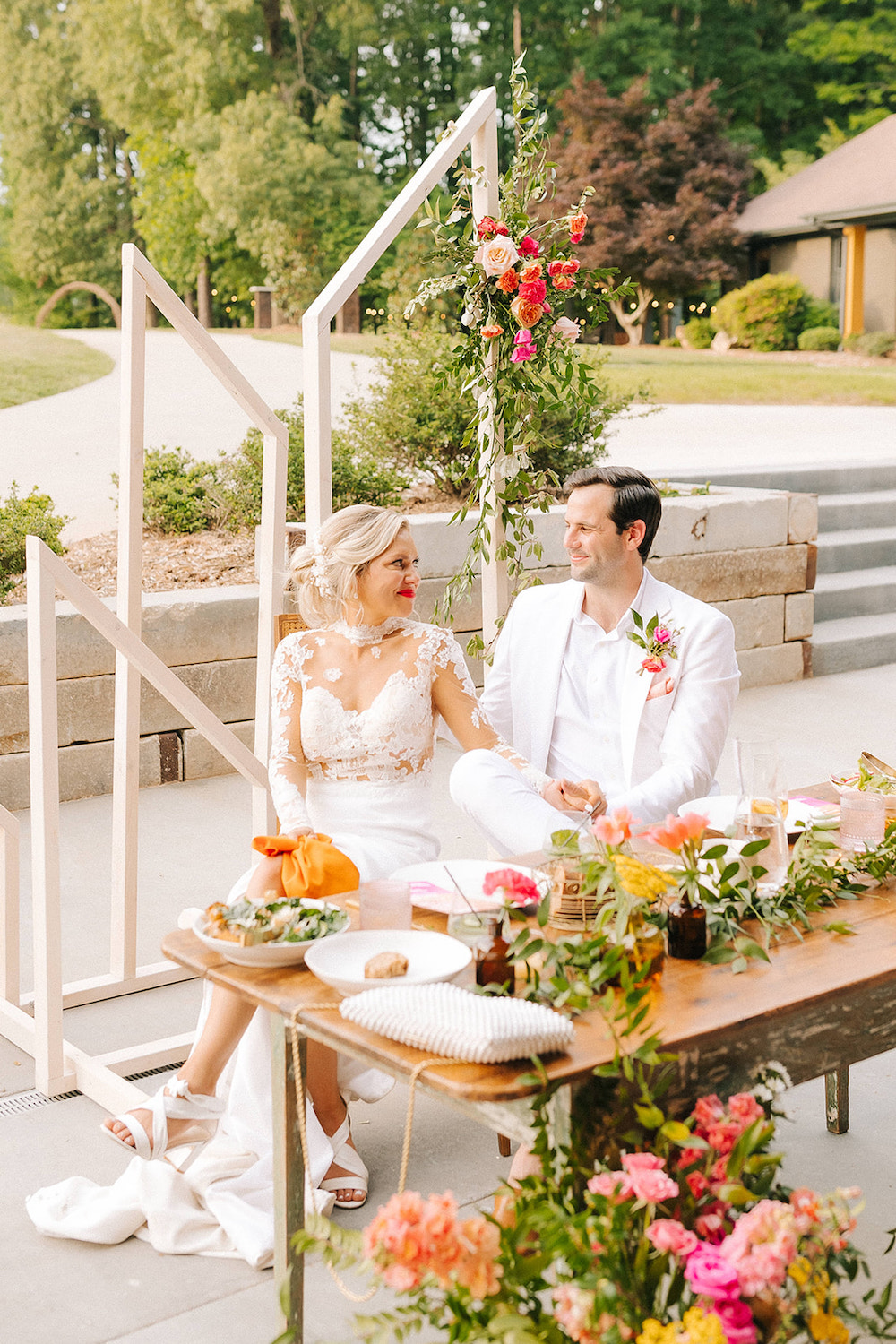 Bright Sweetheart Table